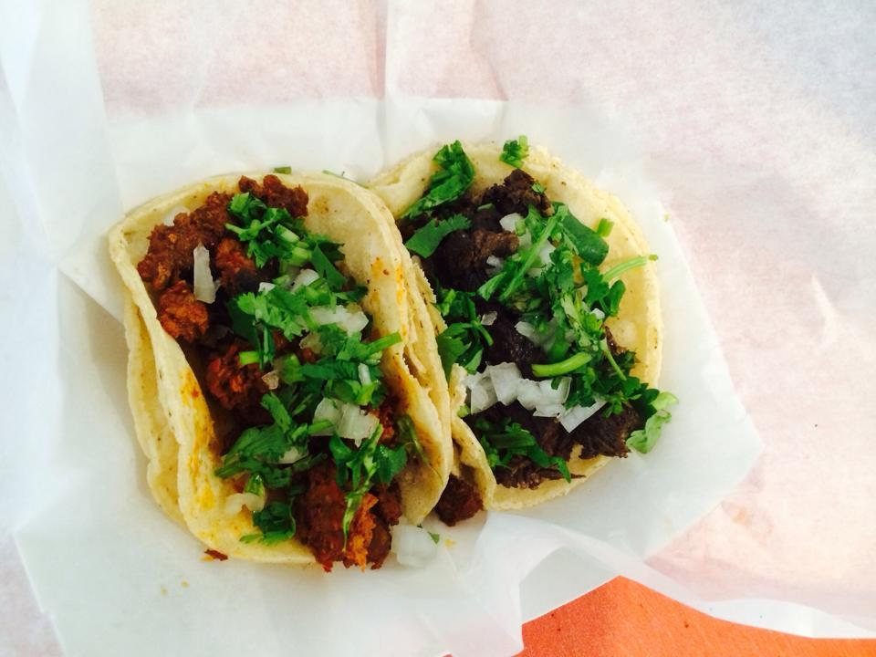 Guide To Chicago Food Trucks With Locations And Twitter