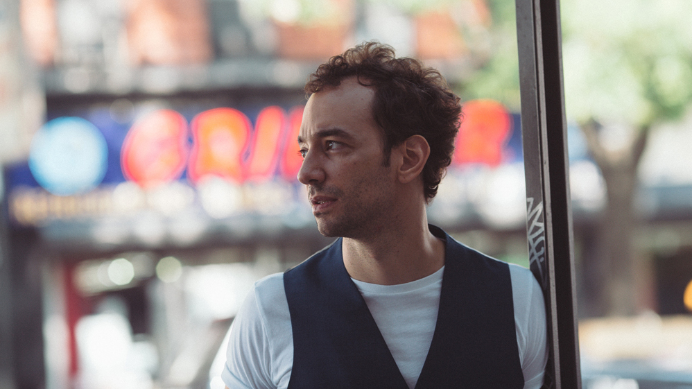 Albert Hammond Jr. talks the Strokes and his new solo LP