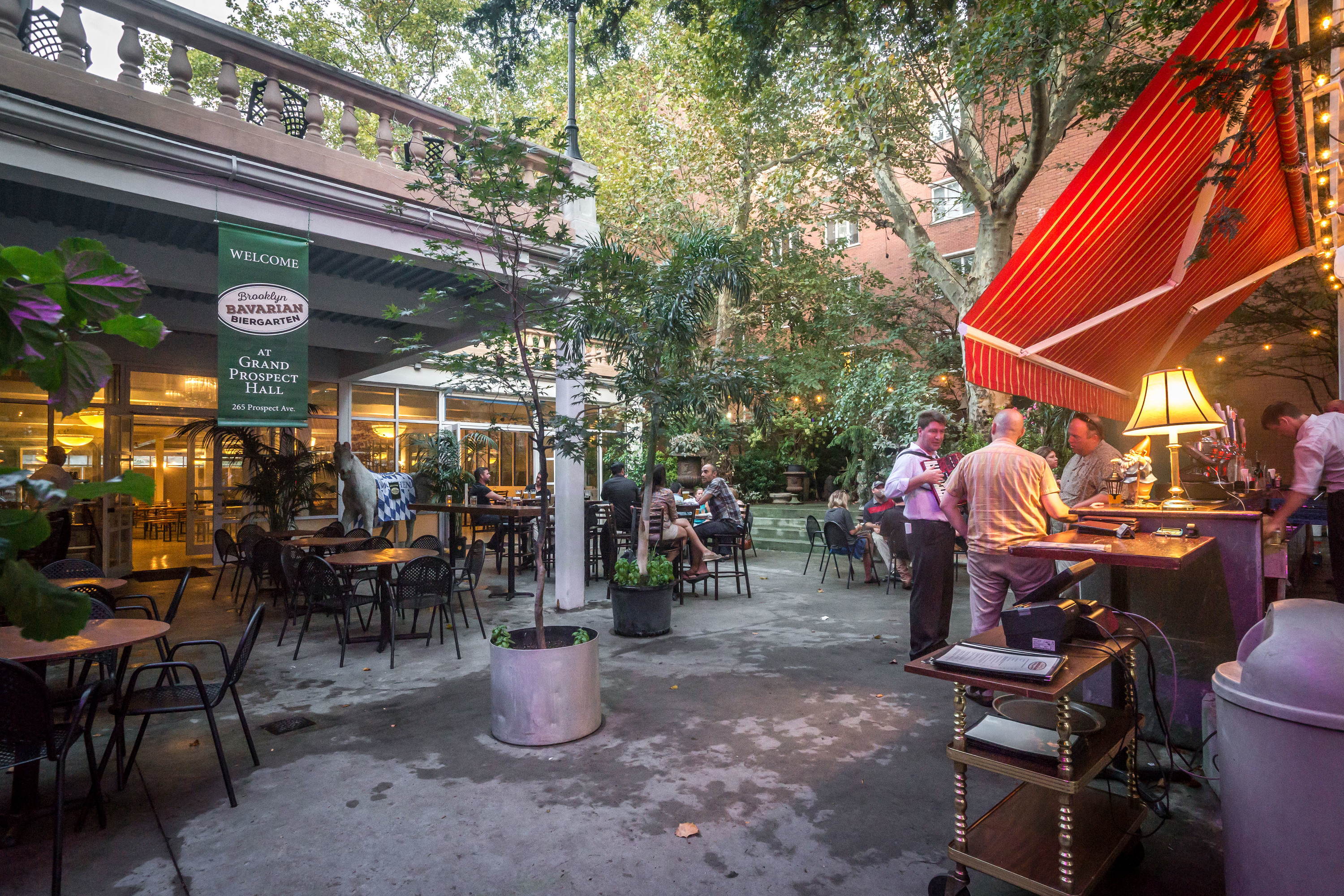 best outdoor bars and drinking spots for fall in nyc