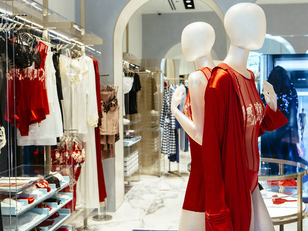La Perla | Shopping in Gold Coast, Chicago