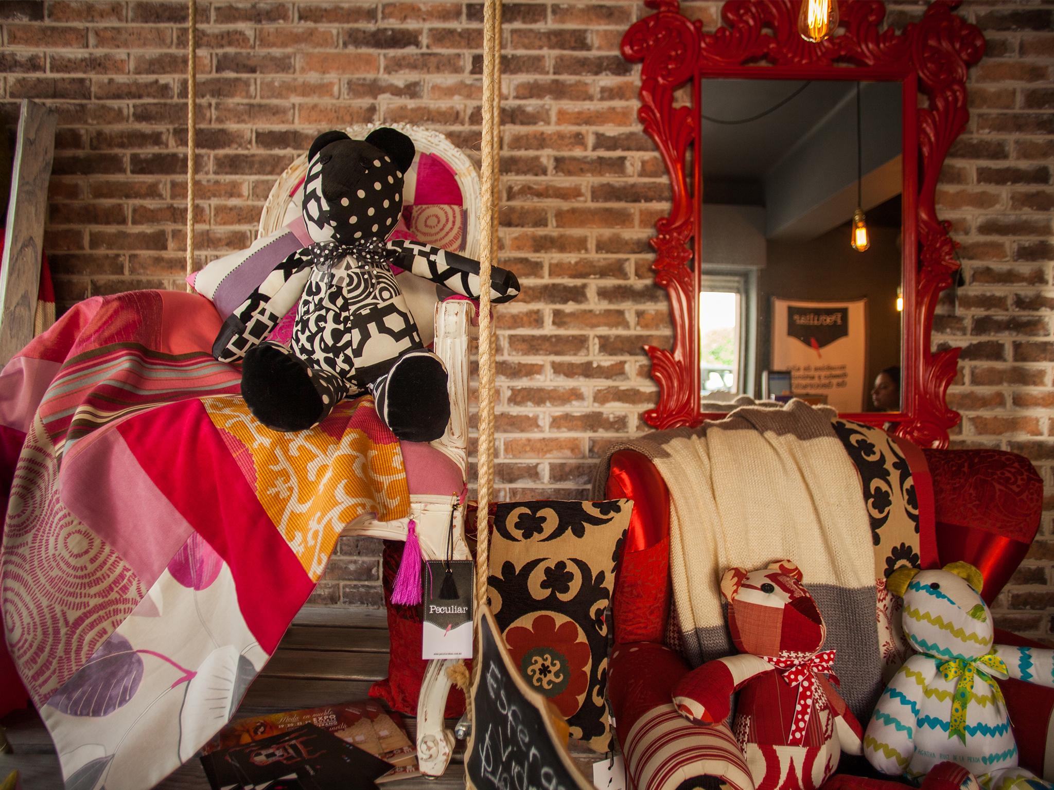 Peculiar es un showroom de muebles de patchwork