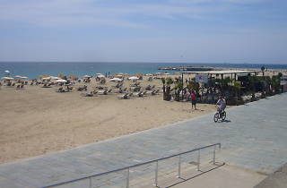 Paseo ambiental por la orilla del mar