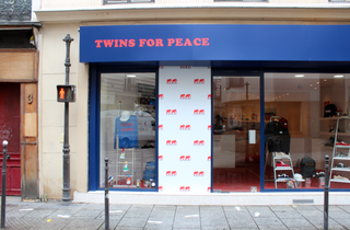 Twins for peace (© EP / Time Out Paris)