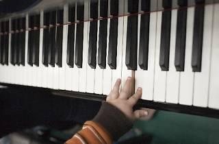 Pía-Pía, Piano