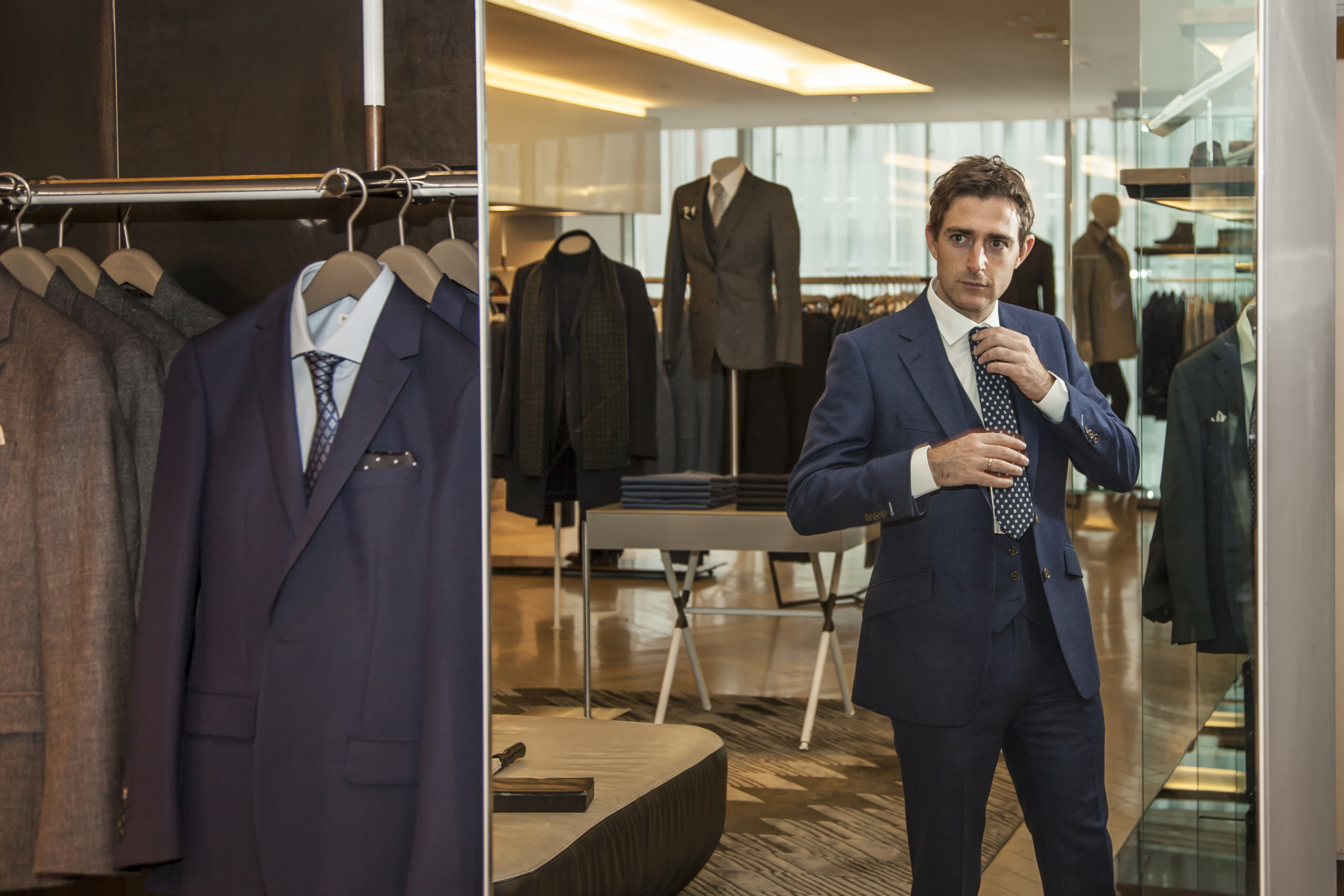 Kingsmen Shop traces its heritage back to , when it was then known as Great Central Modern Tailor. The Kingsmen name was adopted in the early s and we have since become synonymous as the purveyor of leading menswear.