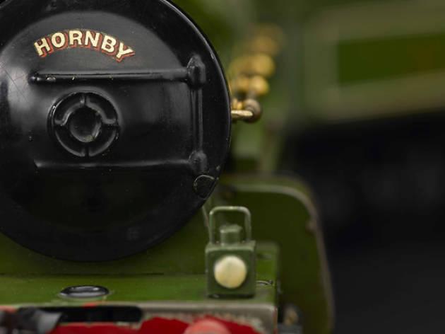 child's play - hornby steam train