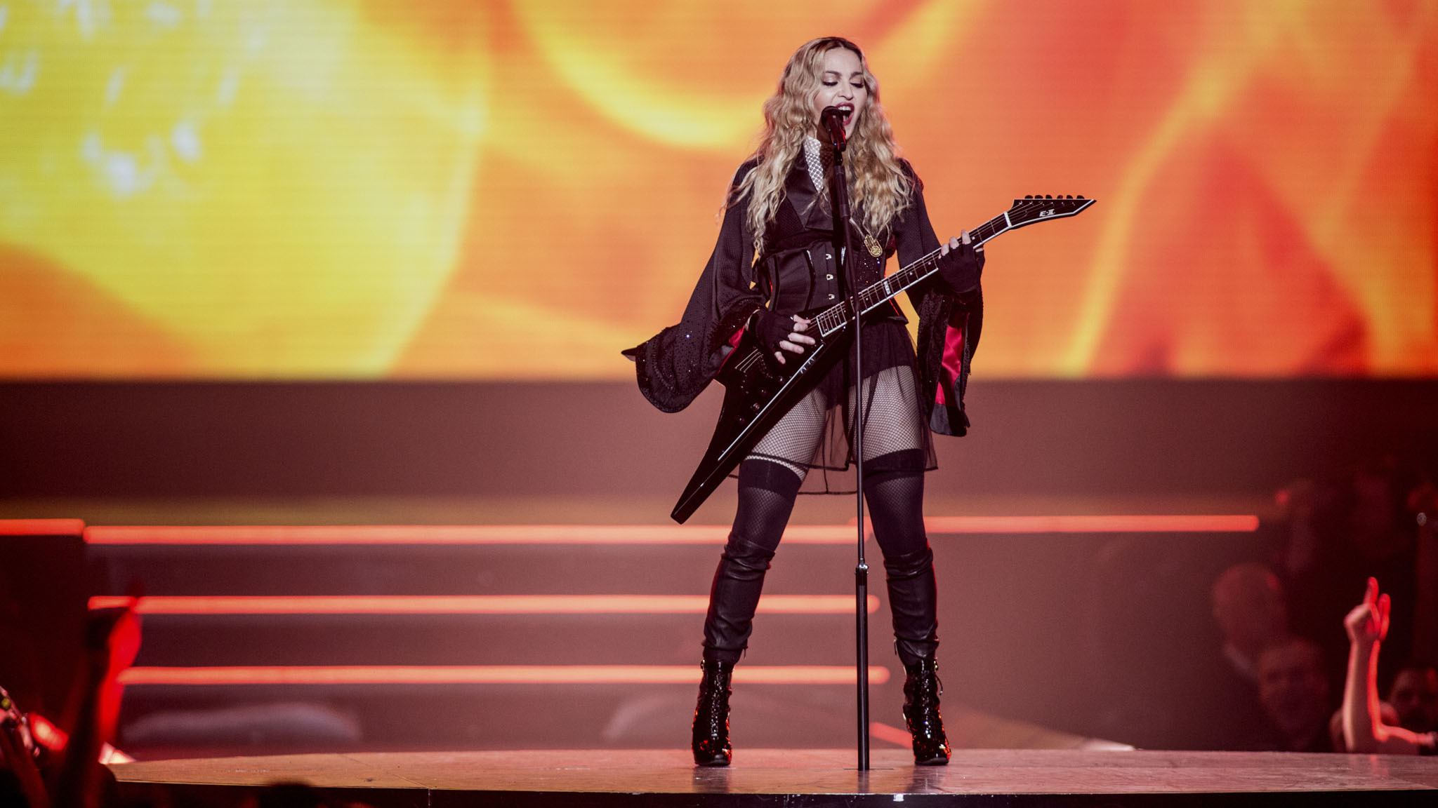 Madonna returns to Chicago in style