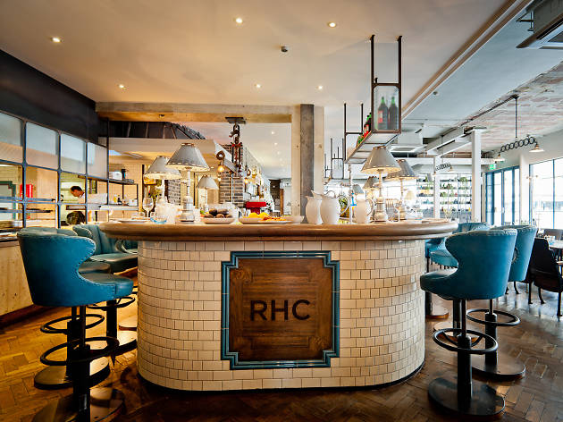 Counter dining in London restaurants, Riding House Cafe