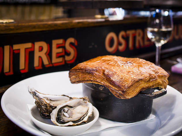 Counter dining in London, Wright Brothers Oyster Bar