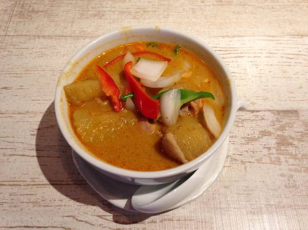 Gana Massaman Curry Chicken with Coconut Milk