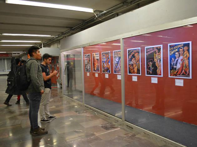 Exposición de Tin Tan en el metro realizada por el Museo del Cine Mexicano