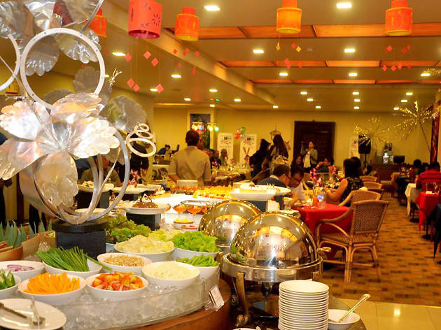 International Dinner Buffet At Spices Restaurant Things