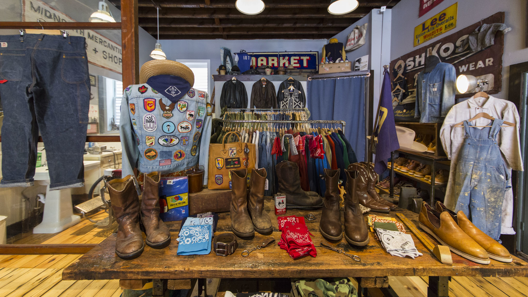 Asheville vintage clothing stores