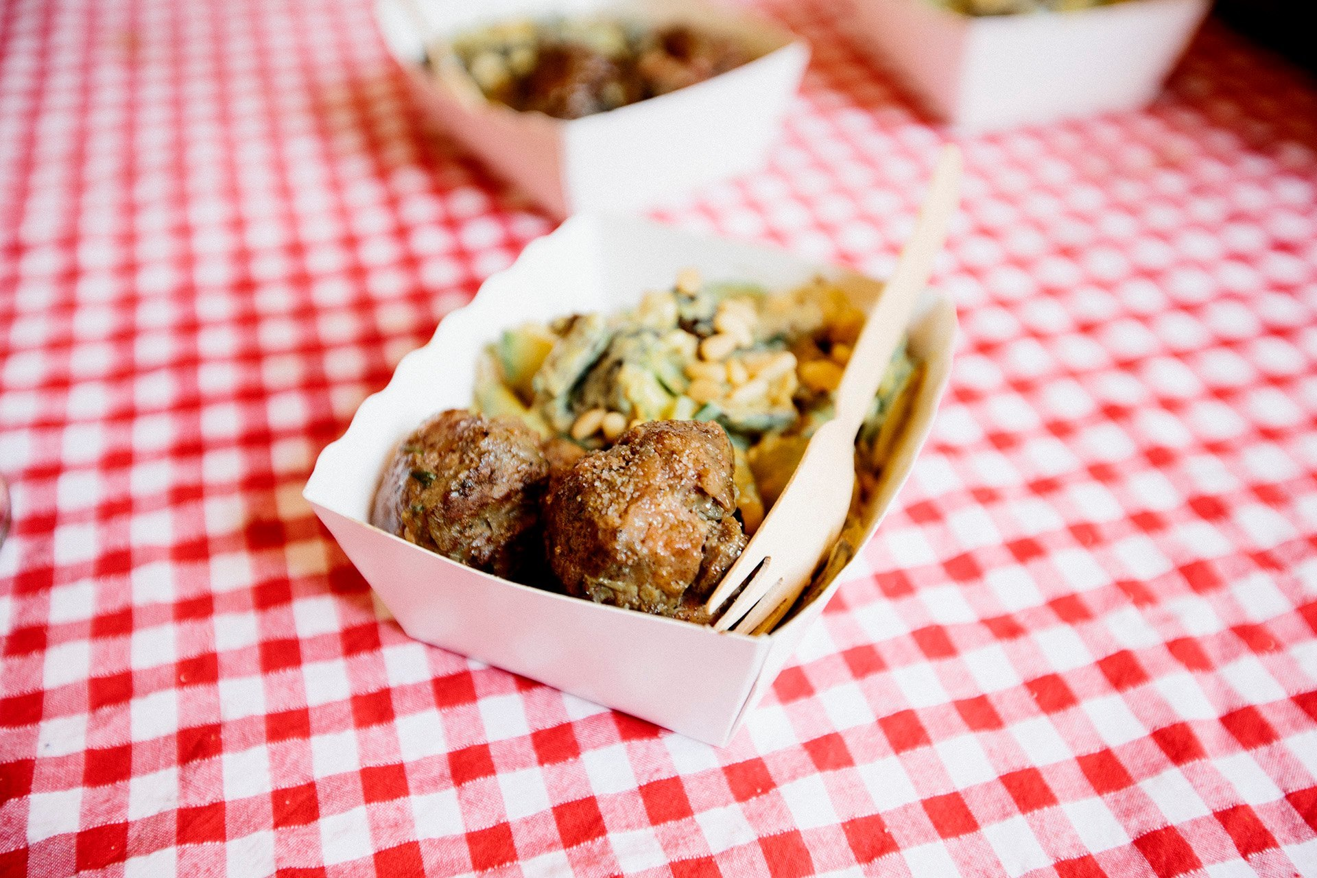 Things to do ● Belleville's Thursday night Food Market
