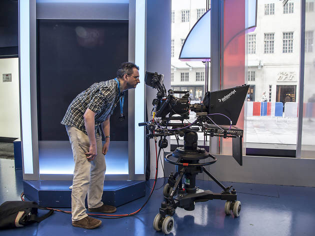 Read the TV news on a BBC Broadcasting House Tour