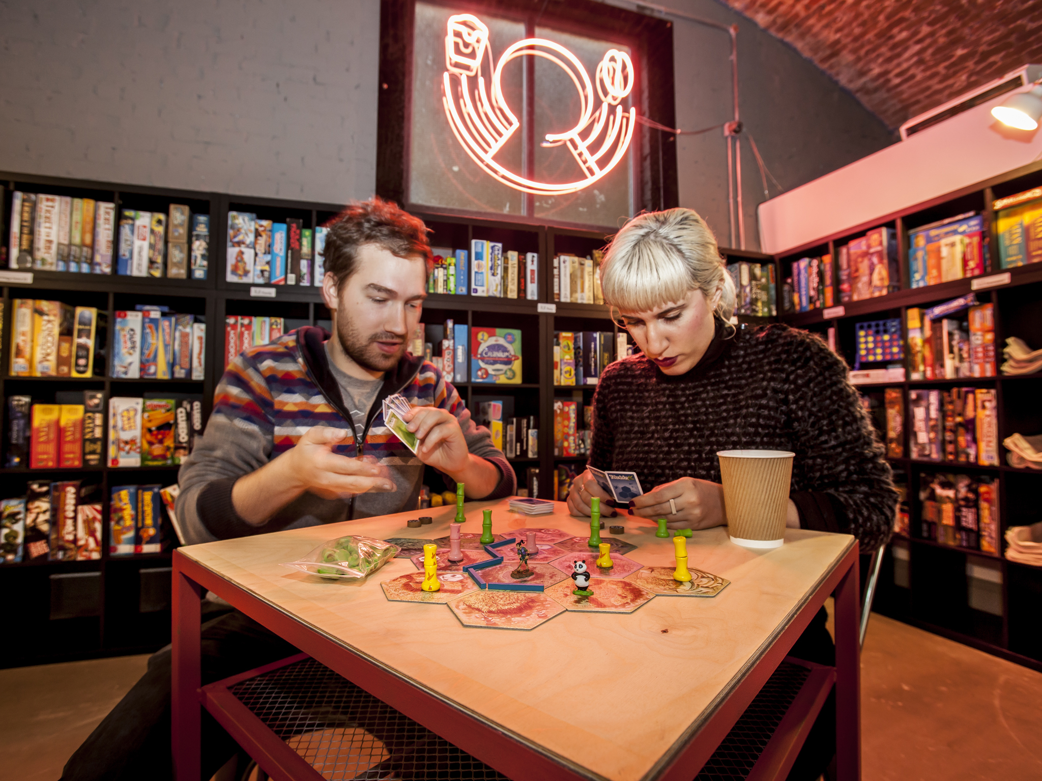 Avoid getting bored at Draughts, the board game café