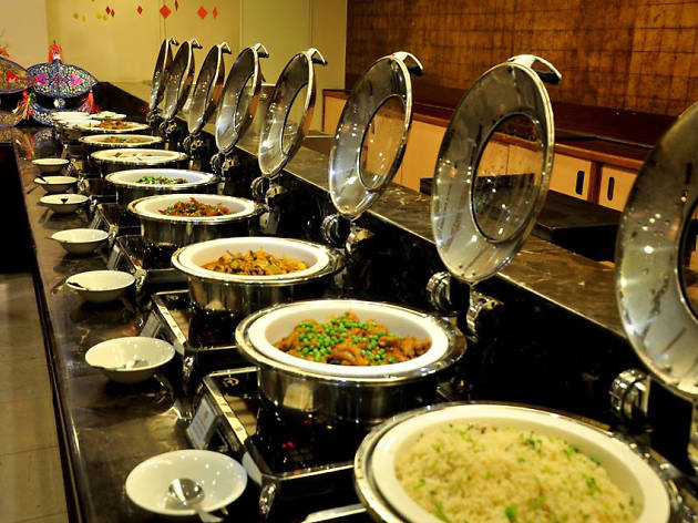 Indian night buffet at Spices Restaurant