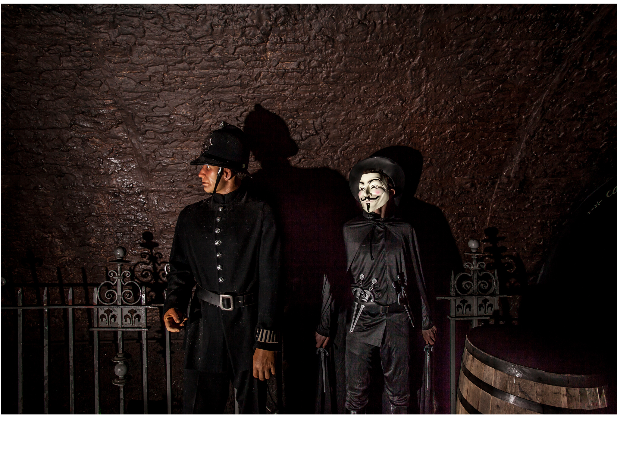 Halloween costumes in London: Vendetta