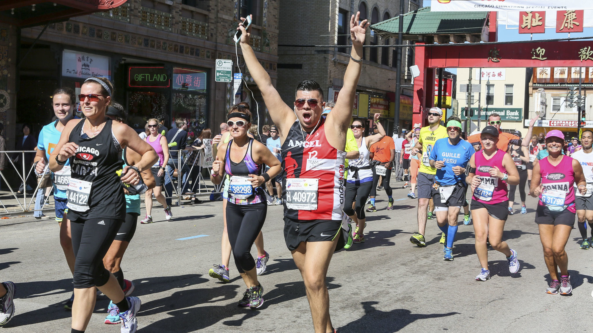 Thousands of runners sped through neighborhoods across the city during the 2015 Chicago Marathon