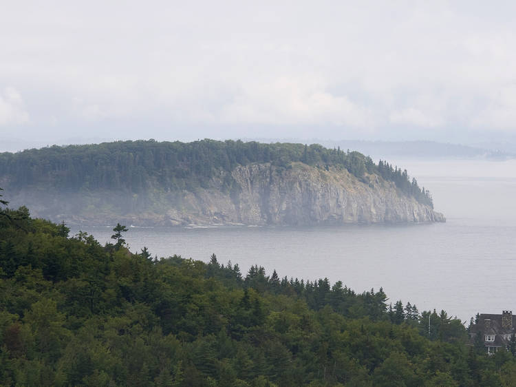 Maine: Check out the cliffs in Acadia National Park