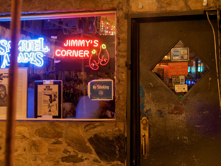 Check out the best dive bars in NYC