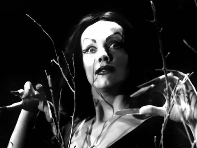 Plan 9 From Outer Space with live re-score
