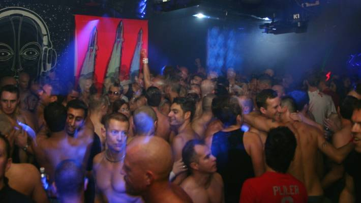 2. It brought gay and straight clubbers together