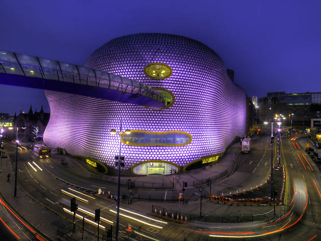 25 illuminating photos of Birmingham at night