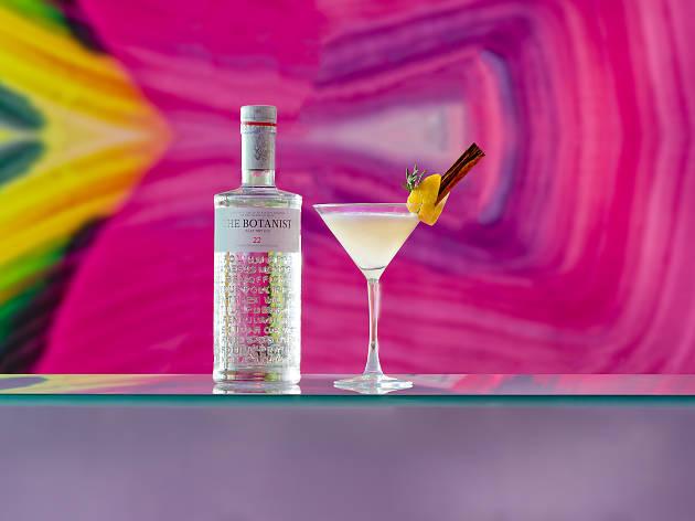 harvey nichols forth floor gin martini cocktail