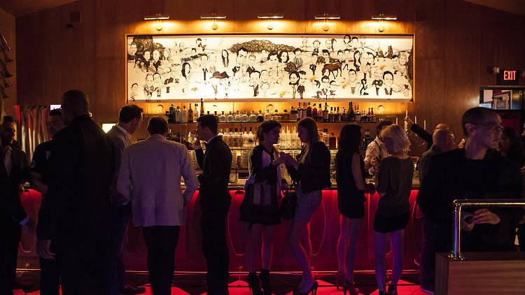 bar, dating