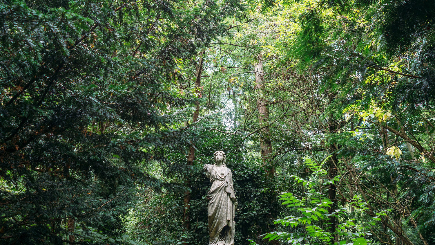 A statue in Abney Park Cemetery