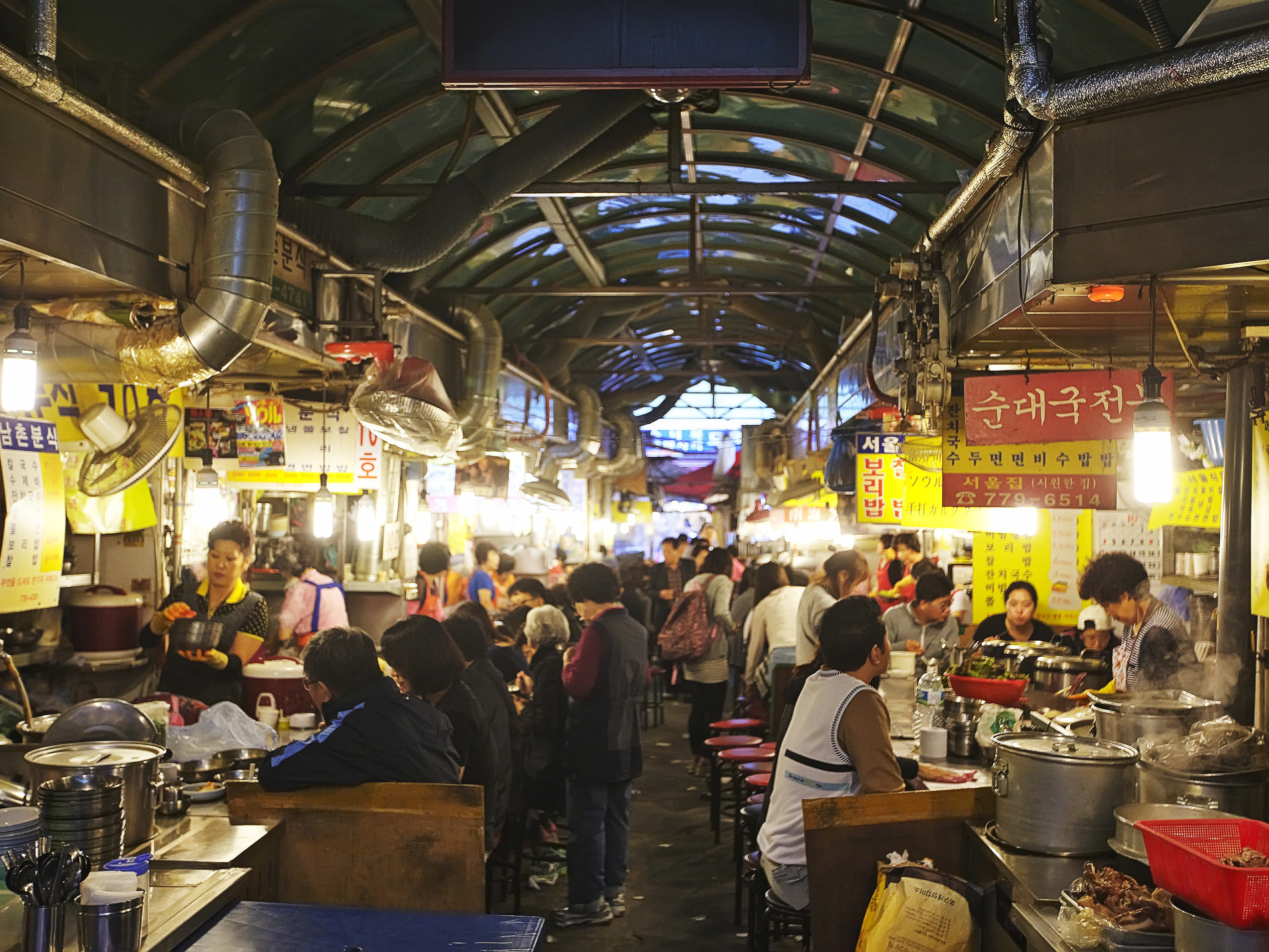 Six traditional markets in Seoul