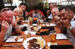 Tony Roma's Ribs-Eating Contest 2015
