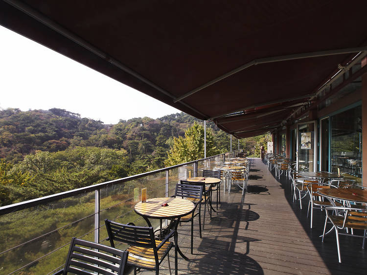북악산 풍경이 한 가득, 카페 다원