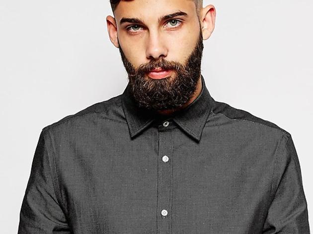Une chemise d'homme