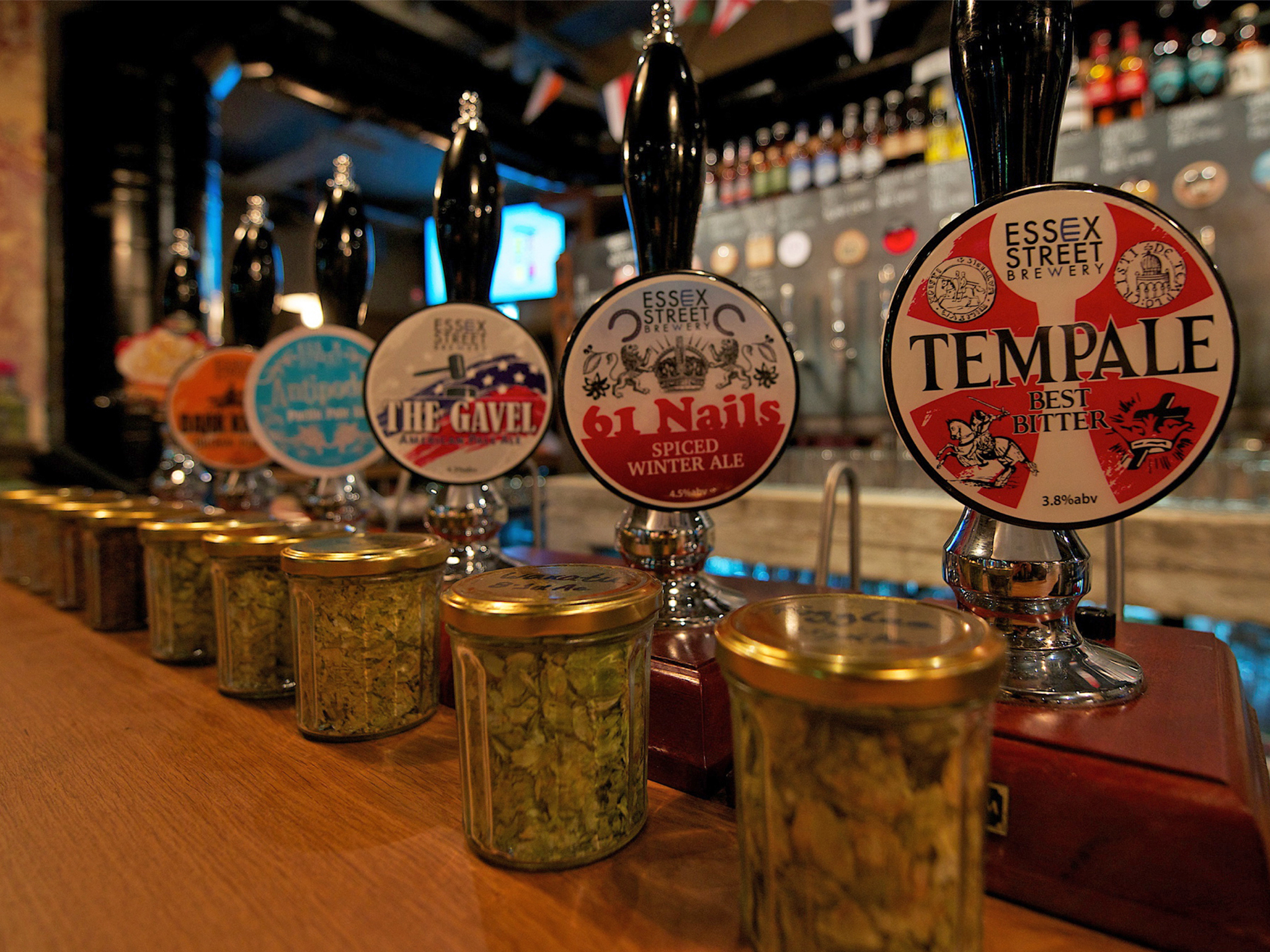 best craft beer bars in london, temple brew house