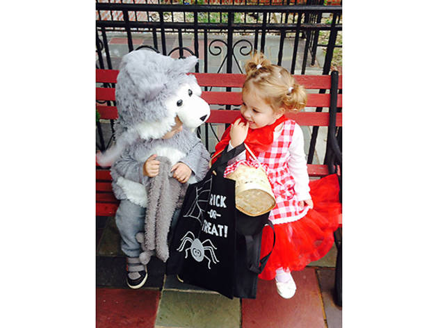 Alice (2), and Ian (2), Astoria