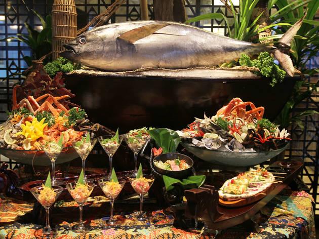 Seafood Galore at Makan Kitchen