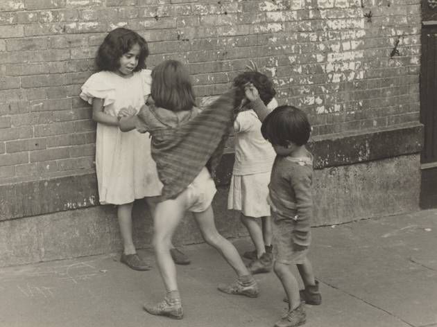 Helen Levitt (© Photo courtesy of the National Gallery of Art, Washington)