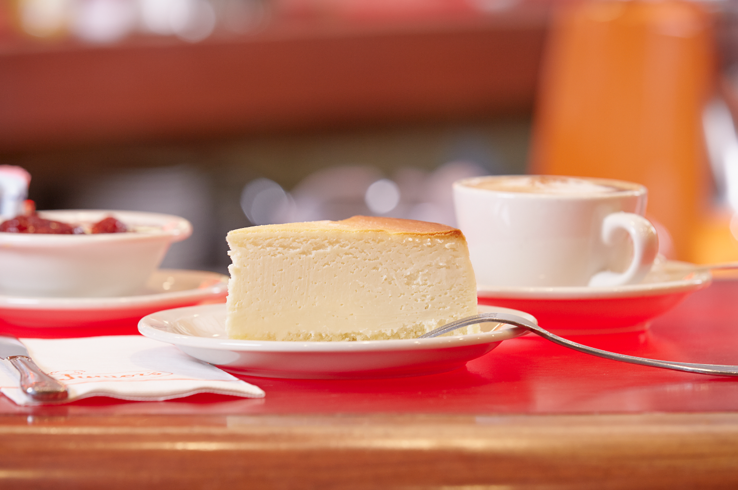 Original NY plain cheesecake at Junior's Restaurant
