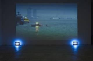 (Chantal Akerman: 'Tombée de nuit sur Shanghaï', 2007.)