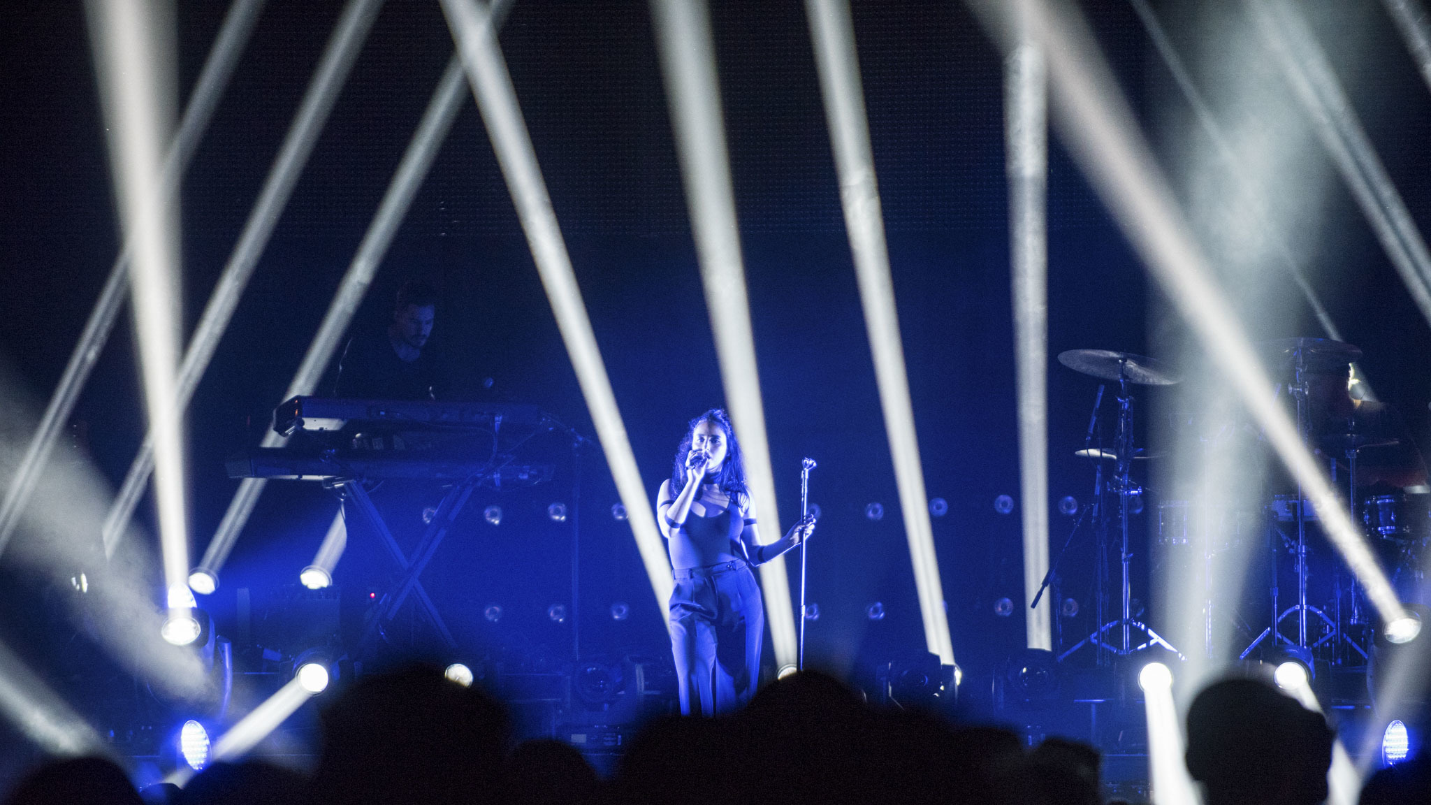 Banks opened for The Weeknd at the United Center on November 6, 2015.