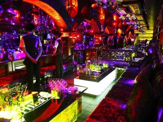 For a classic Shanghai clubbing experience