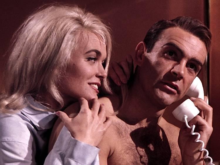 Playlist • les meilleurs génériques de James Bond