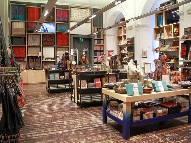 V&A Shop
