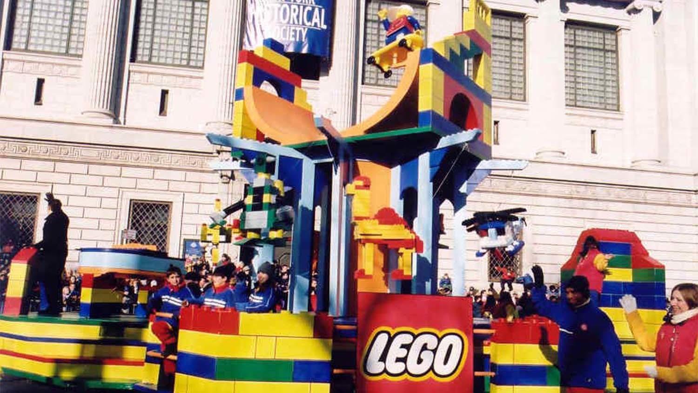 Lego float, 2002