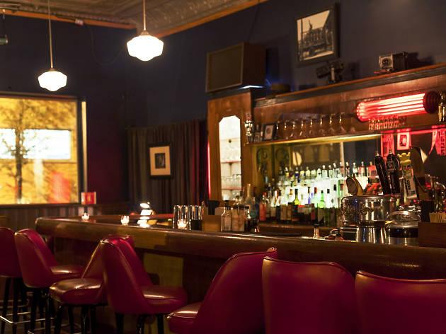 Weegee's Lounge