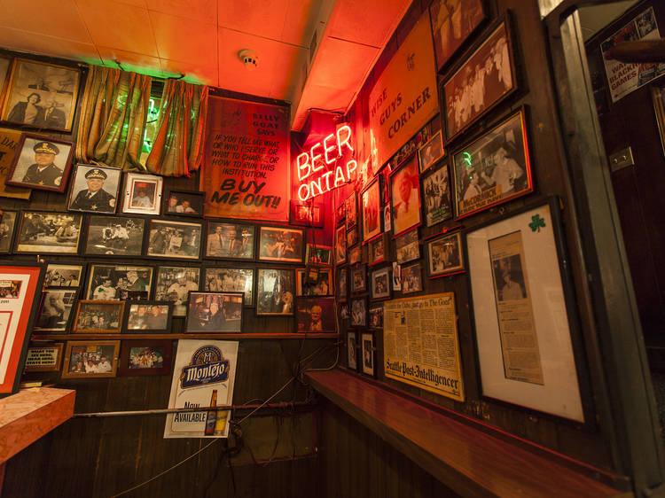 Historic Chicago Walking Bar Tour