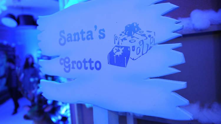 Santas grotto sign