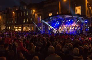 edinburgh's christmas light night